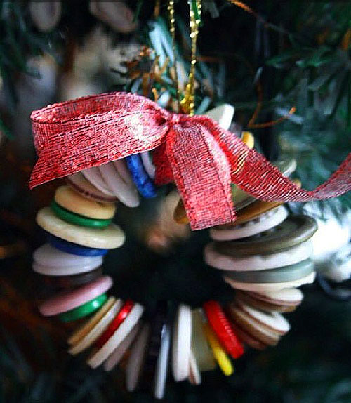 easy-buttons-christmas-wreath-ornament