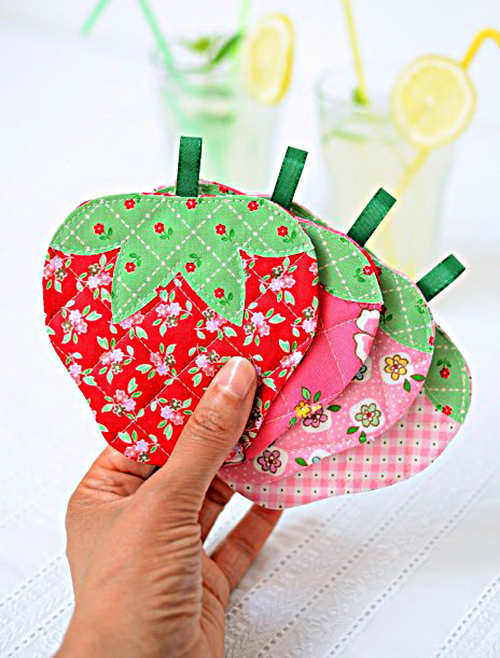 quilted-strawberry-coasters