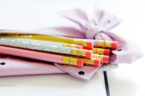 diy-pencil-pouch-with-bow